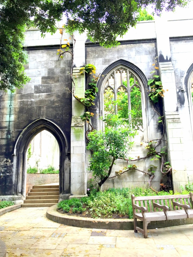 Saint Dunstan in the East Church Garden11