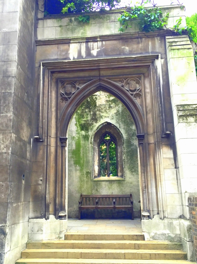 Saint Dunstan in the East Church Garden12