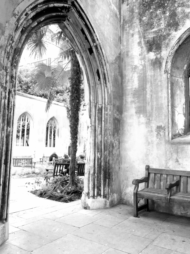 Saint Dunstan in the East Church Garden8