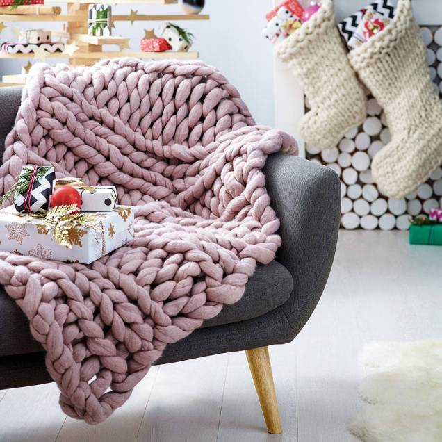 chunky-knitted-blanket-11