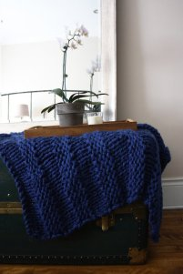 chunky-knitted-blanket-12
