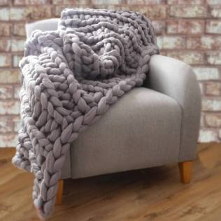 chunky-knitted-blanket-2