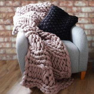 chunky-knitted-blanket-4