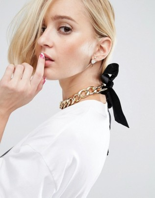 diana-wah-london-x-asos-bow-chain-choker-necklace