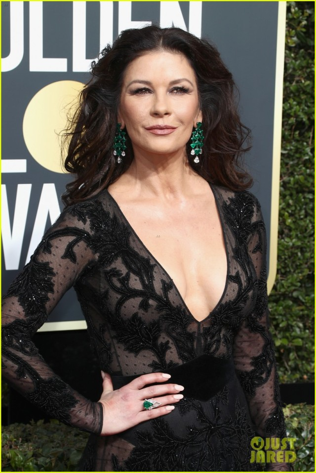 catherine-zeta-jones-golden-globes-2018-02